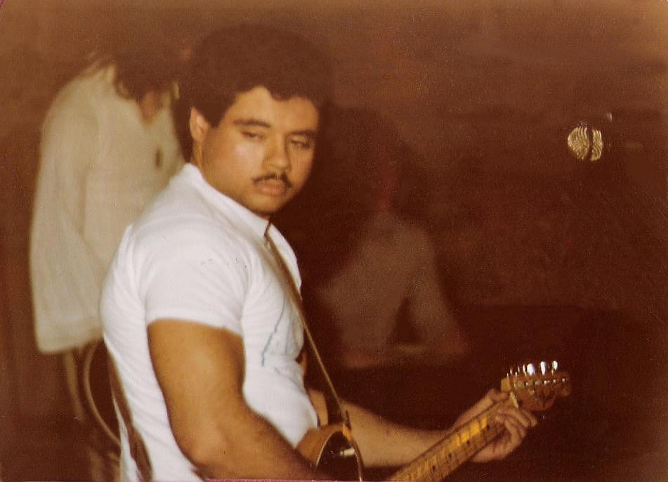Barry Cannizzaro - Guitar & Vocals