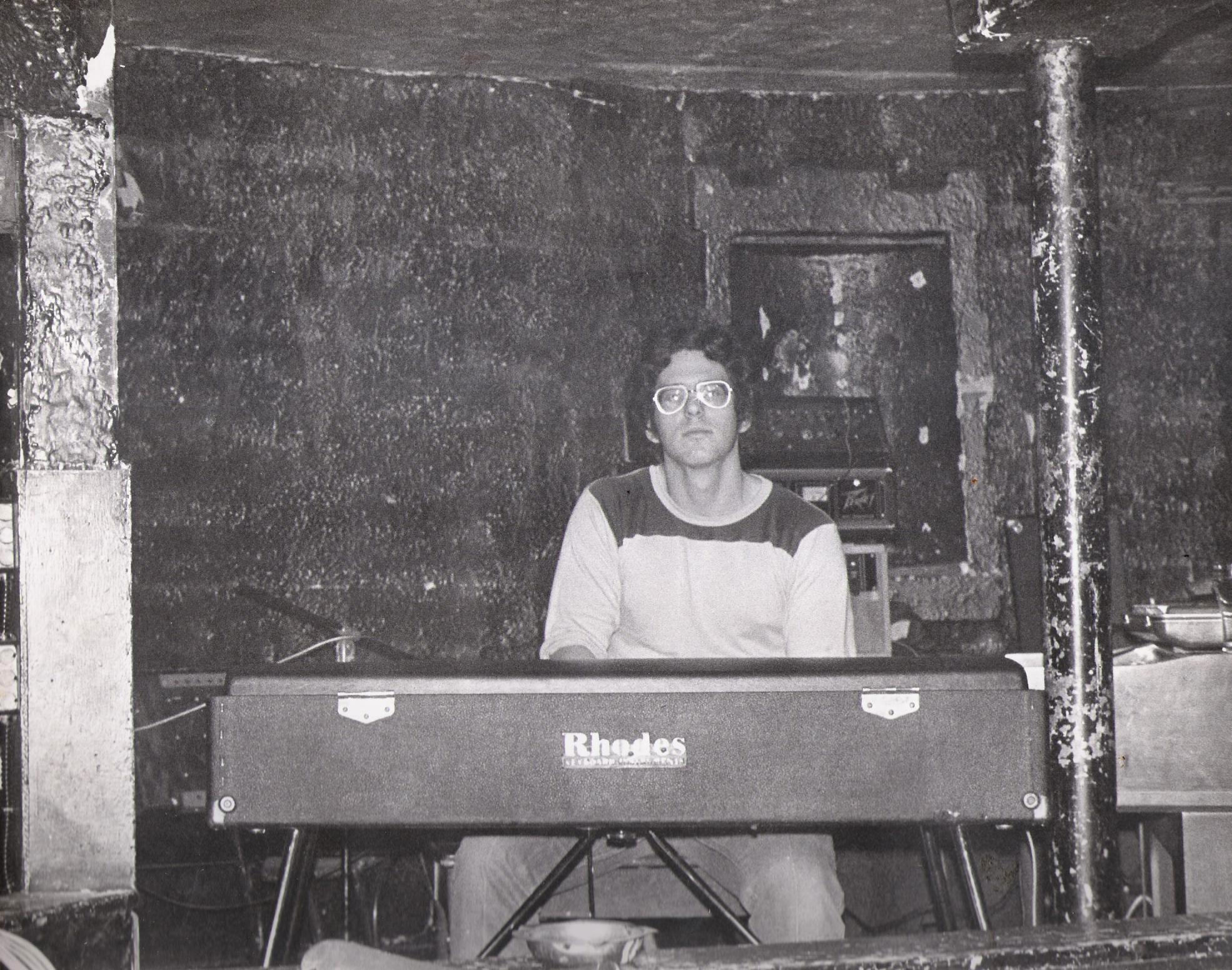 McVans 1979 - Dave Maltbie with Fender Rhodes, Wurlitzer 4100 Organ and Moog Sonic Six
